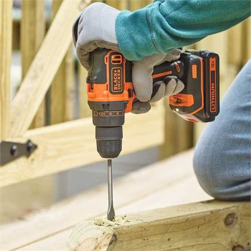 Black and Decker - 18V 2G Drill  400mA lader  1 batteri  Koffert - BDCDD186K
