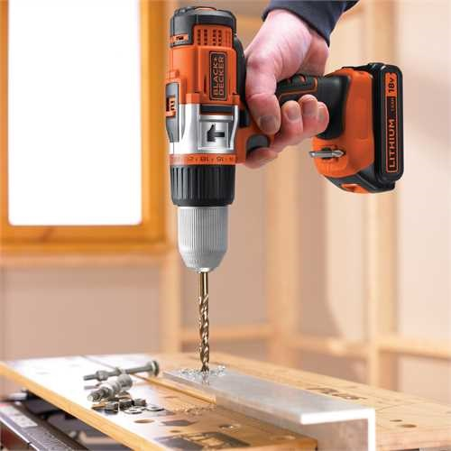 Black and Decker - Drill med slag 18V LIION High Performance - EGBHP188K