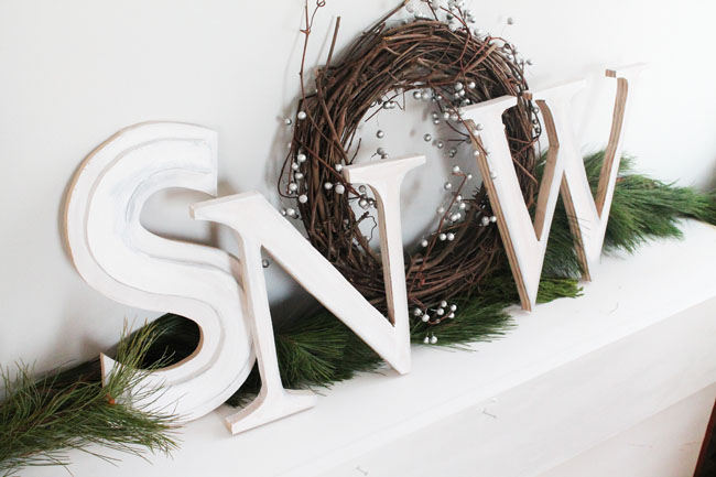 Holiday Mantel Wooden Letters 01